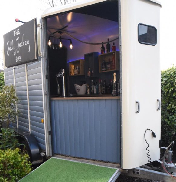 Jolly-Jockey-bar-trailer