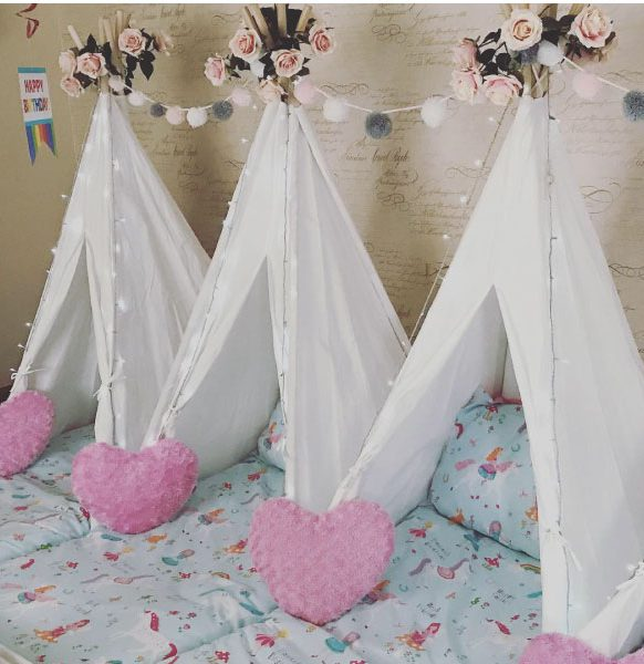Mini-tipis-sleepover-party-hearts